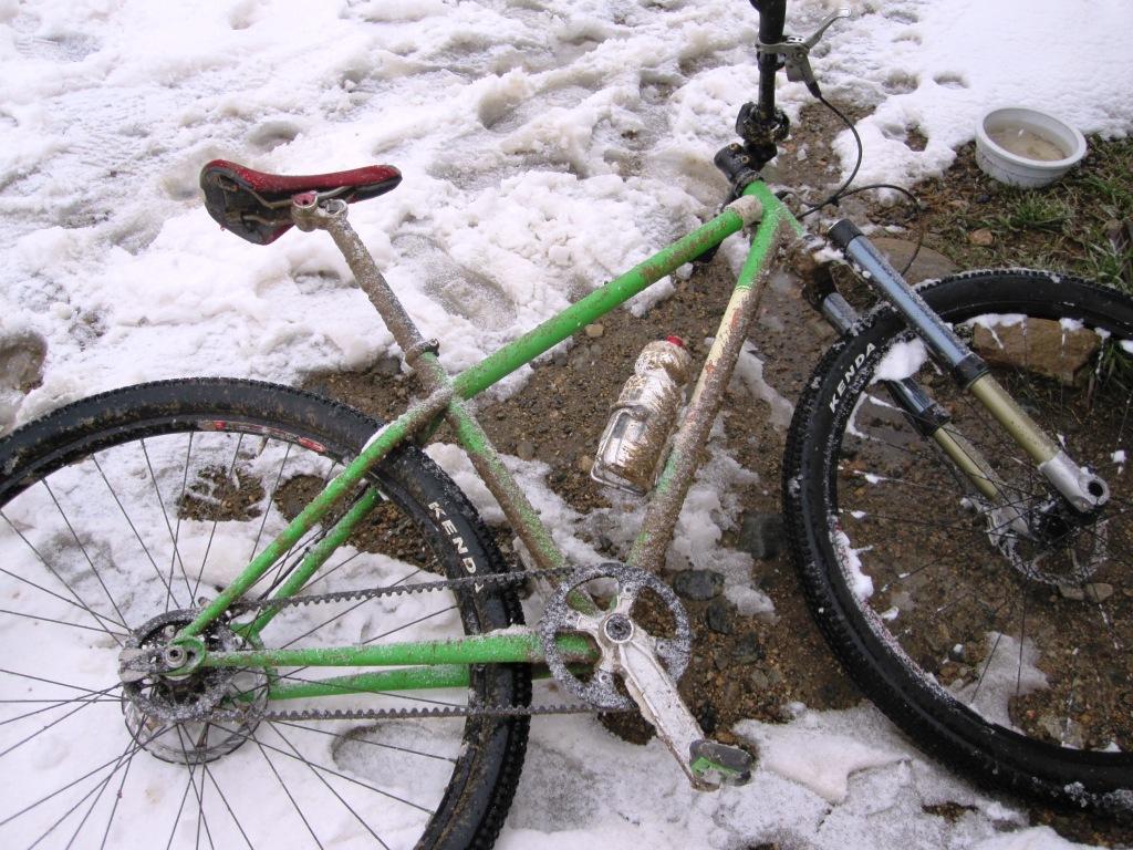 Gates Carbon Drive Snowy Mud