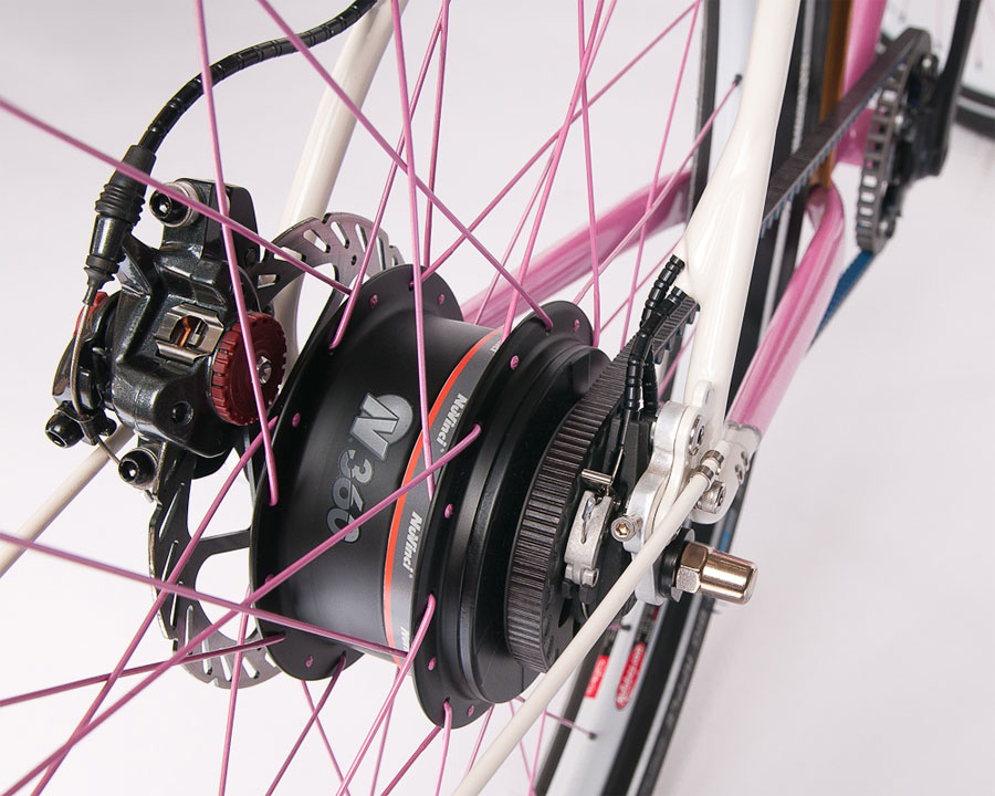 The NuVinci infinitely variable planetary hub paired with Gates Carbon Drive on an English Cycles cruiser.