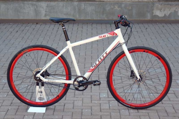 Debuting in 2012, the SUB 10 bicycle from Scott is outfitted with a Gates Carbon Drive system.