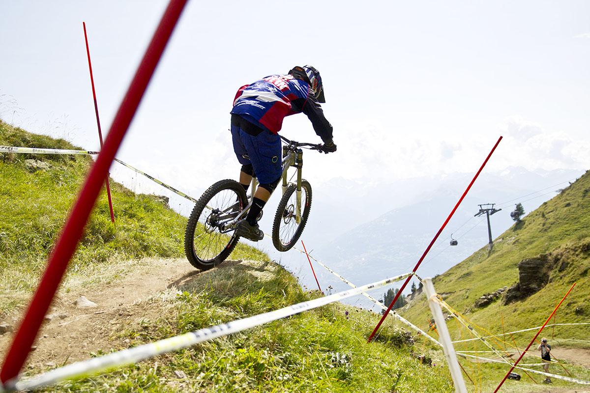 Nicolai DH bike racing3