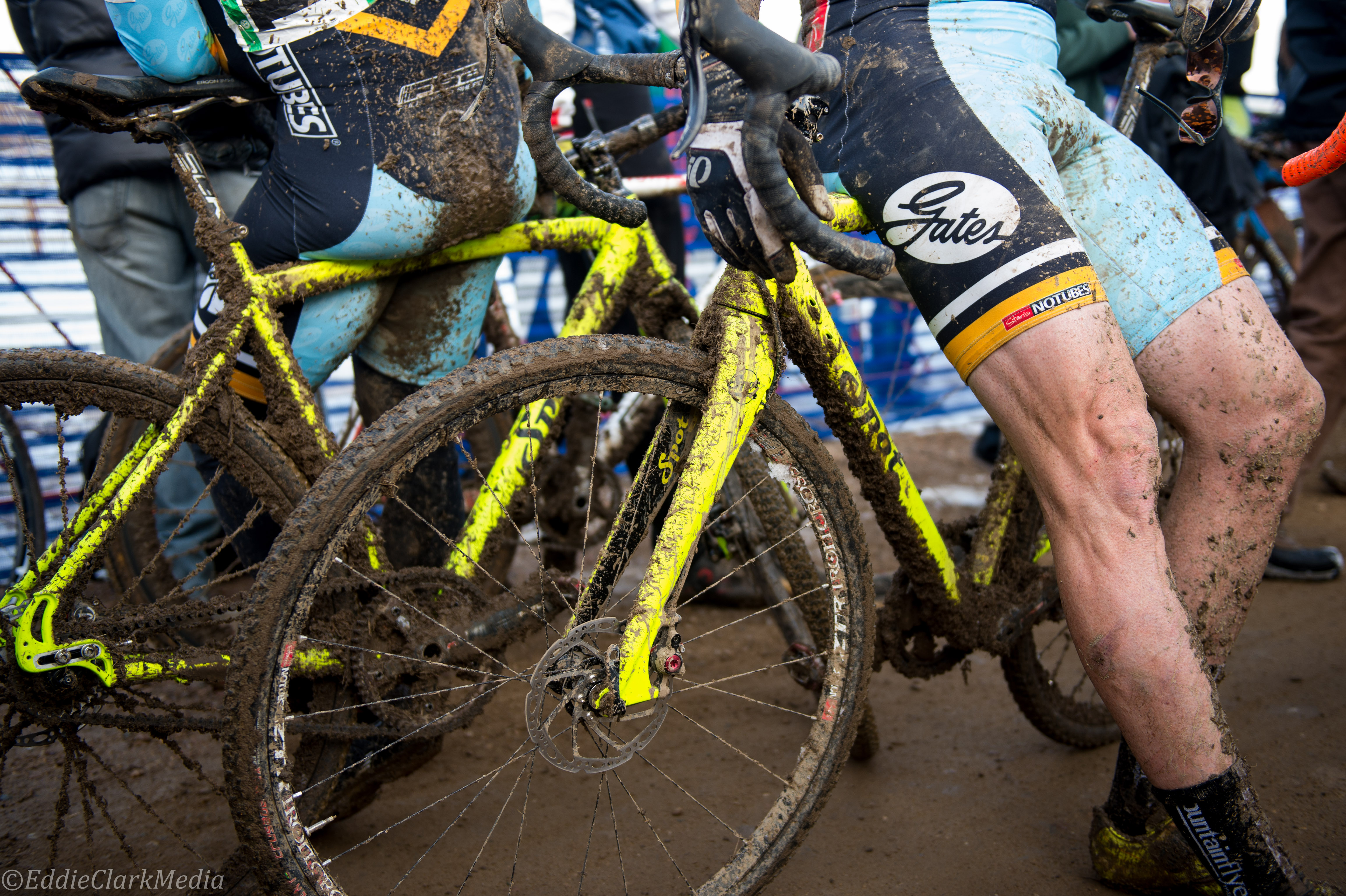 Gates CDX Carbon Drive and TRP Hylex brakes just ignore the mud