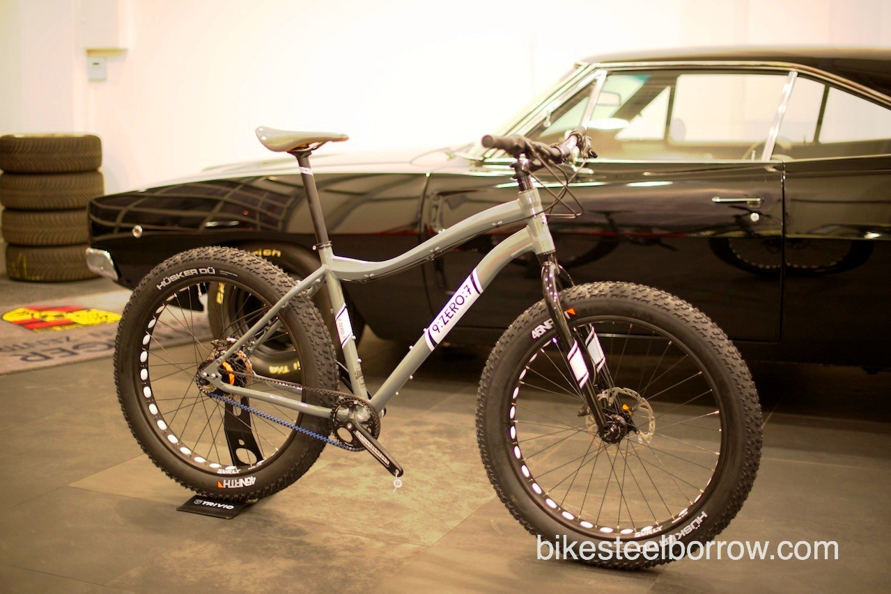 907 Europe_complete bike with car