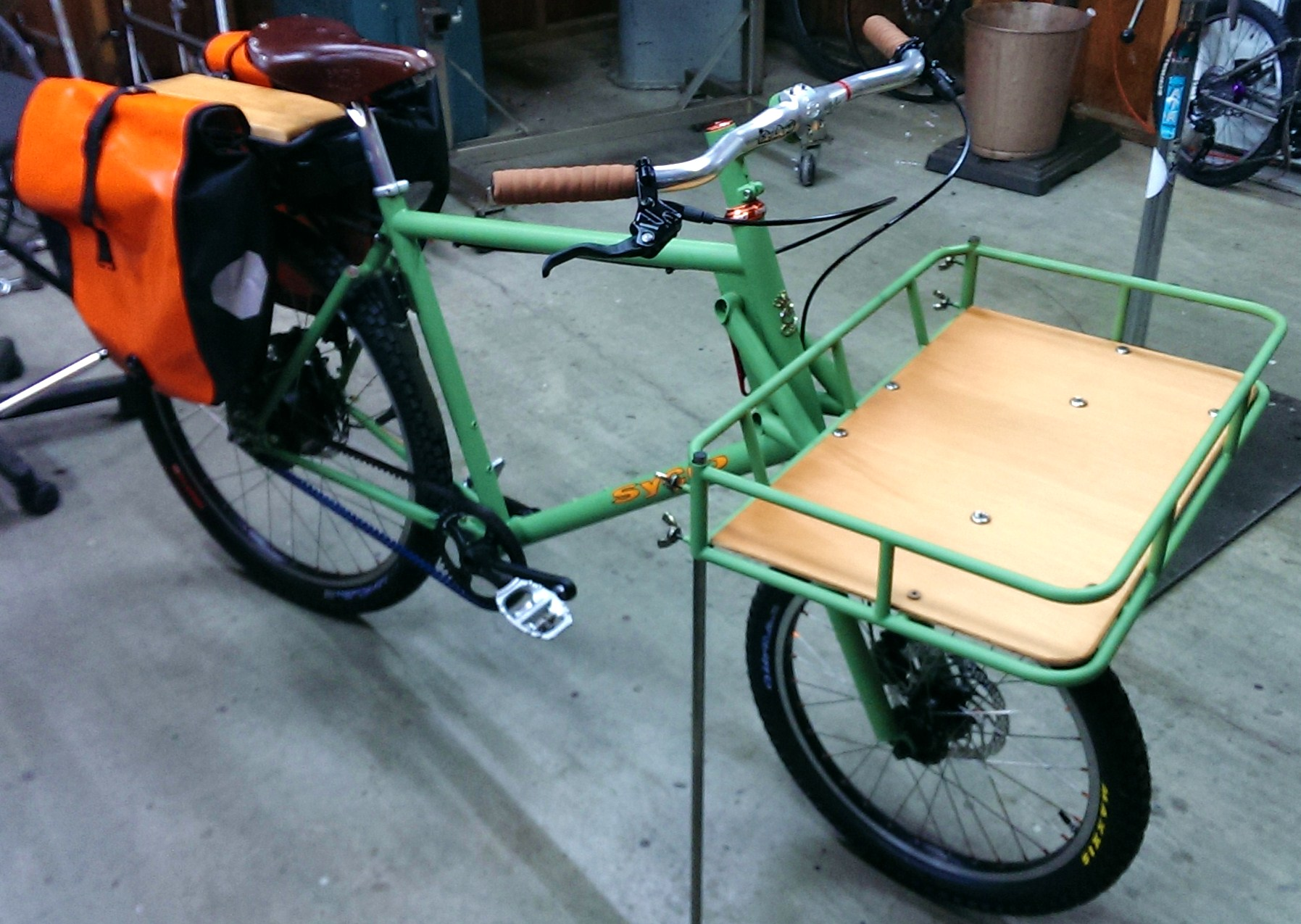 custom ebike showcase the electric woody a bosch tandem. Black Bedroom Furniture Sets. Home Design Ideas