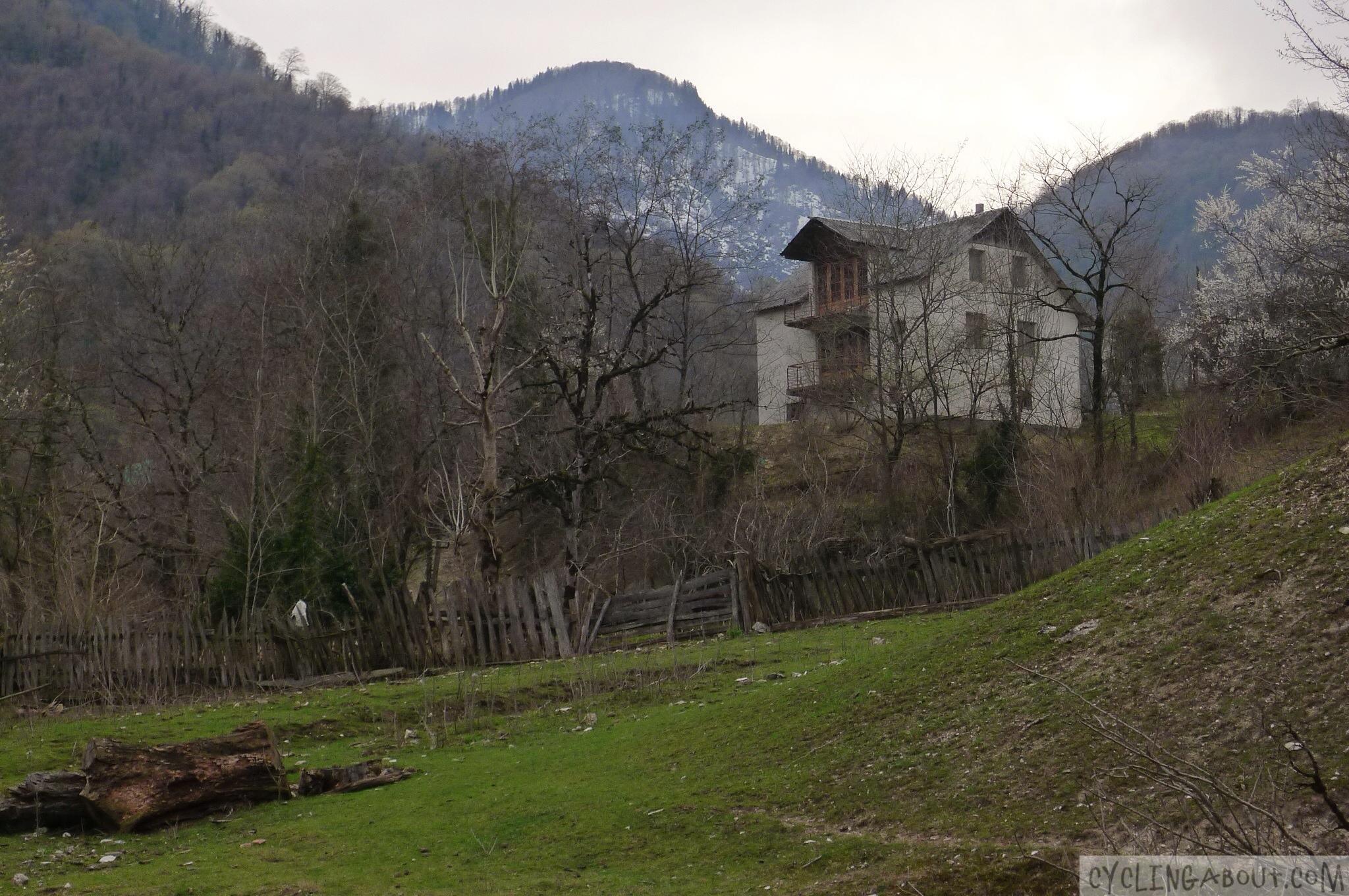 Alleykat_Georgian home in the gloom