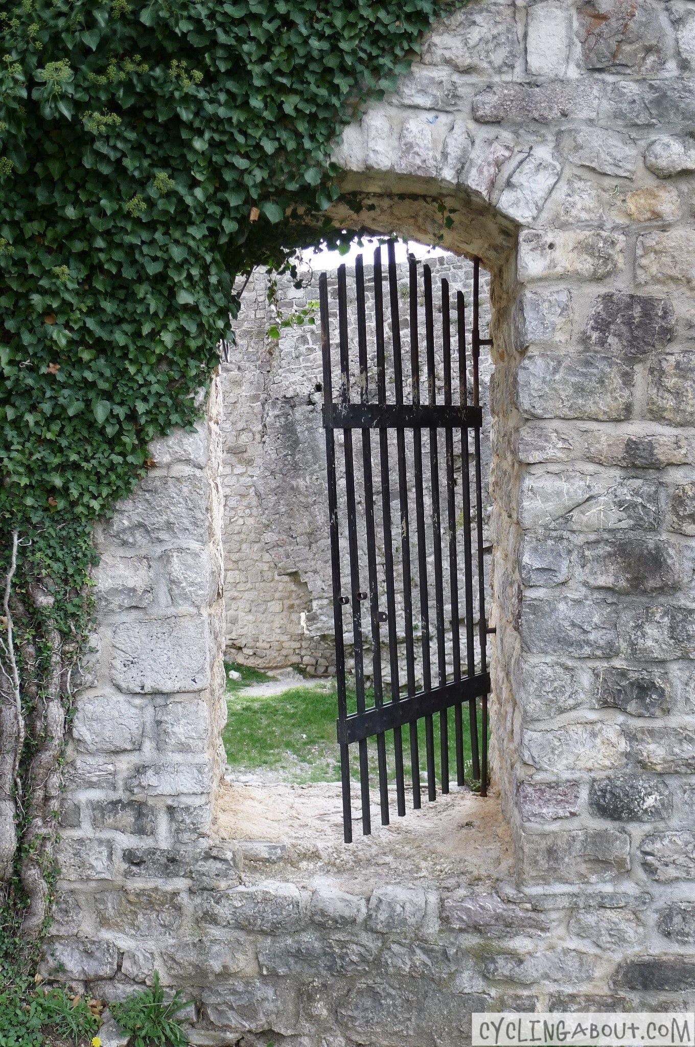 Alleykat_Montenegro gate