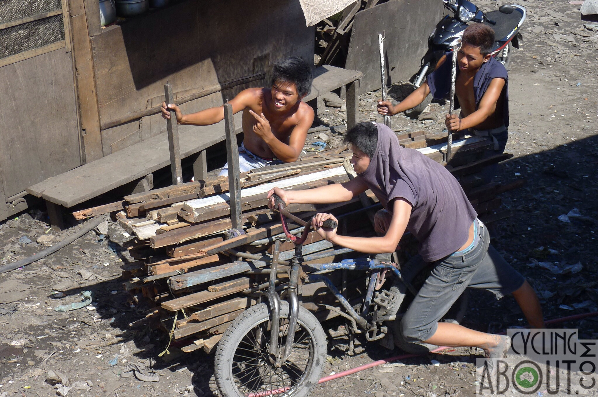 Alleykat_disaster relief in the philippines