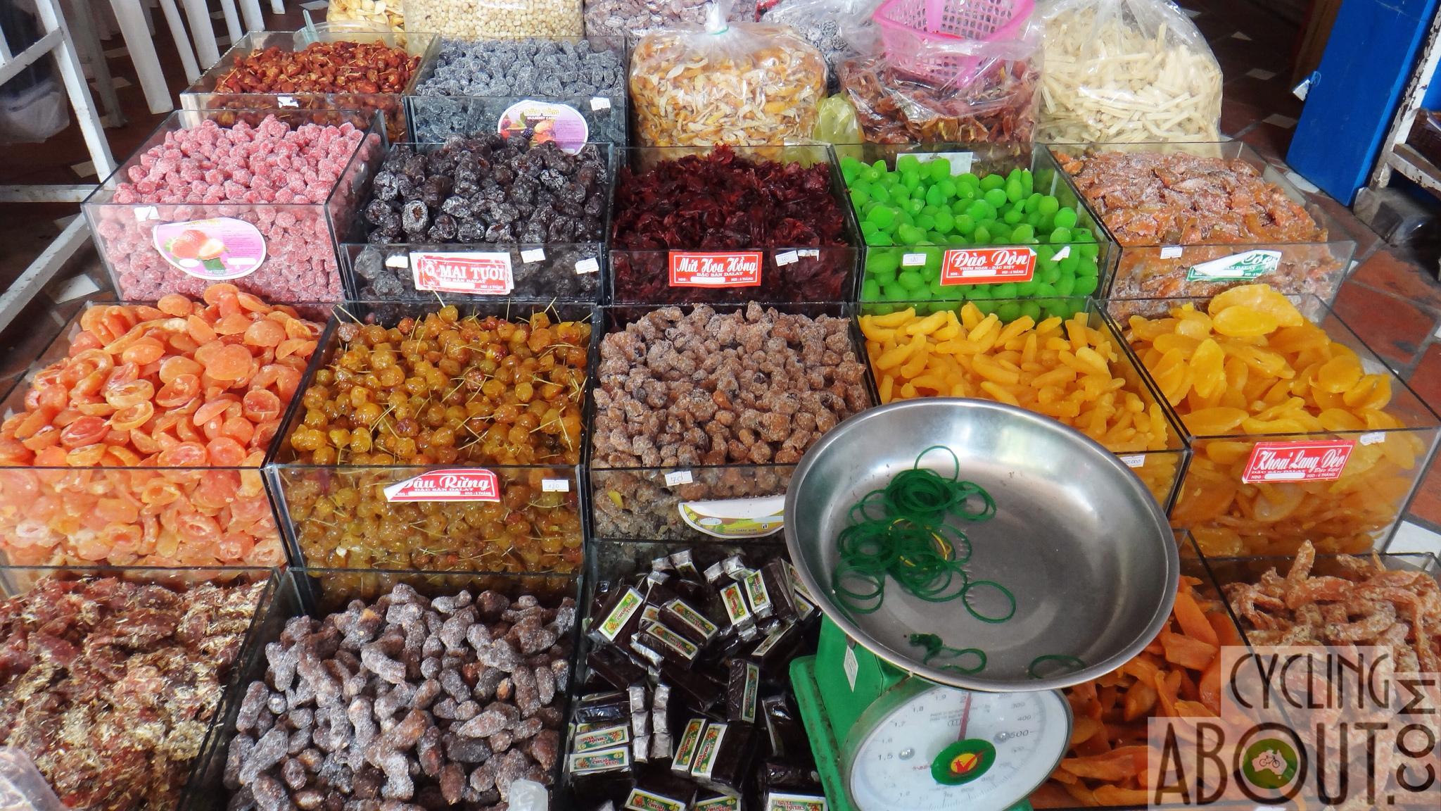 Alleykat_food market in Vietnam