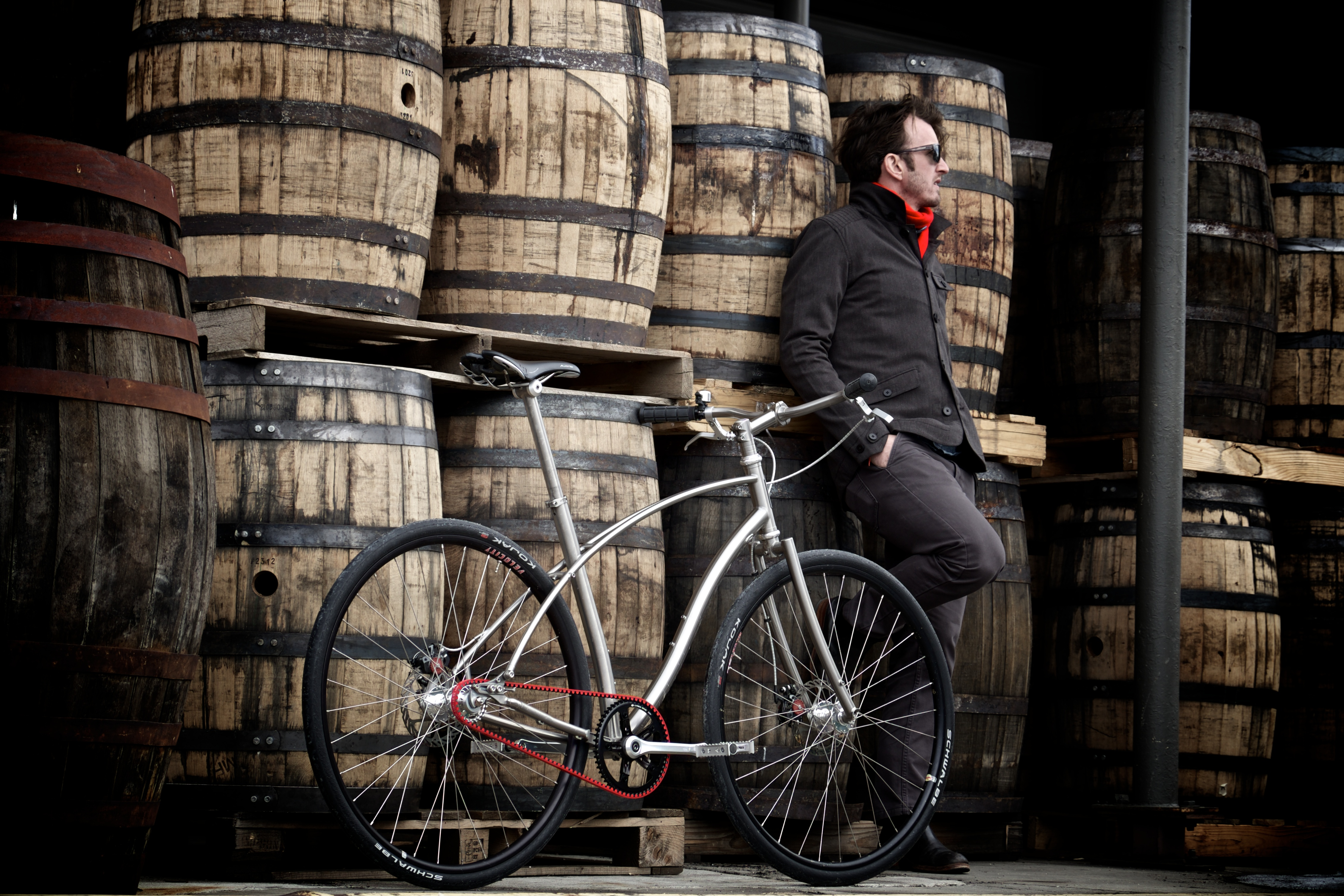 Carbon Drive Red lifestyle-barrels