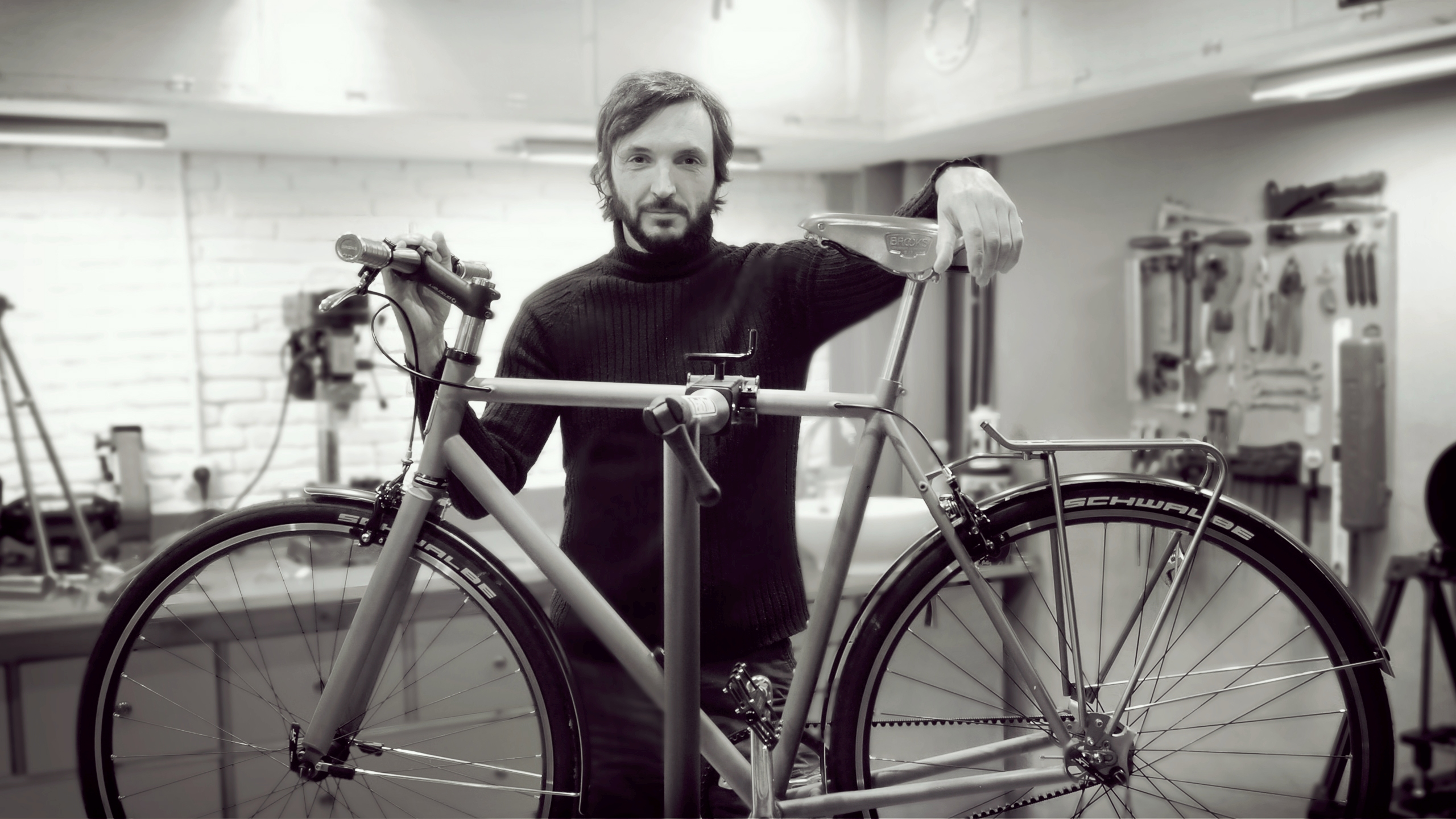 Nua Bikes Roberto Aznar-NuaBikes Workshop