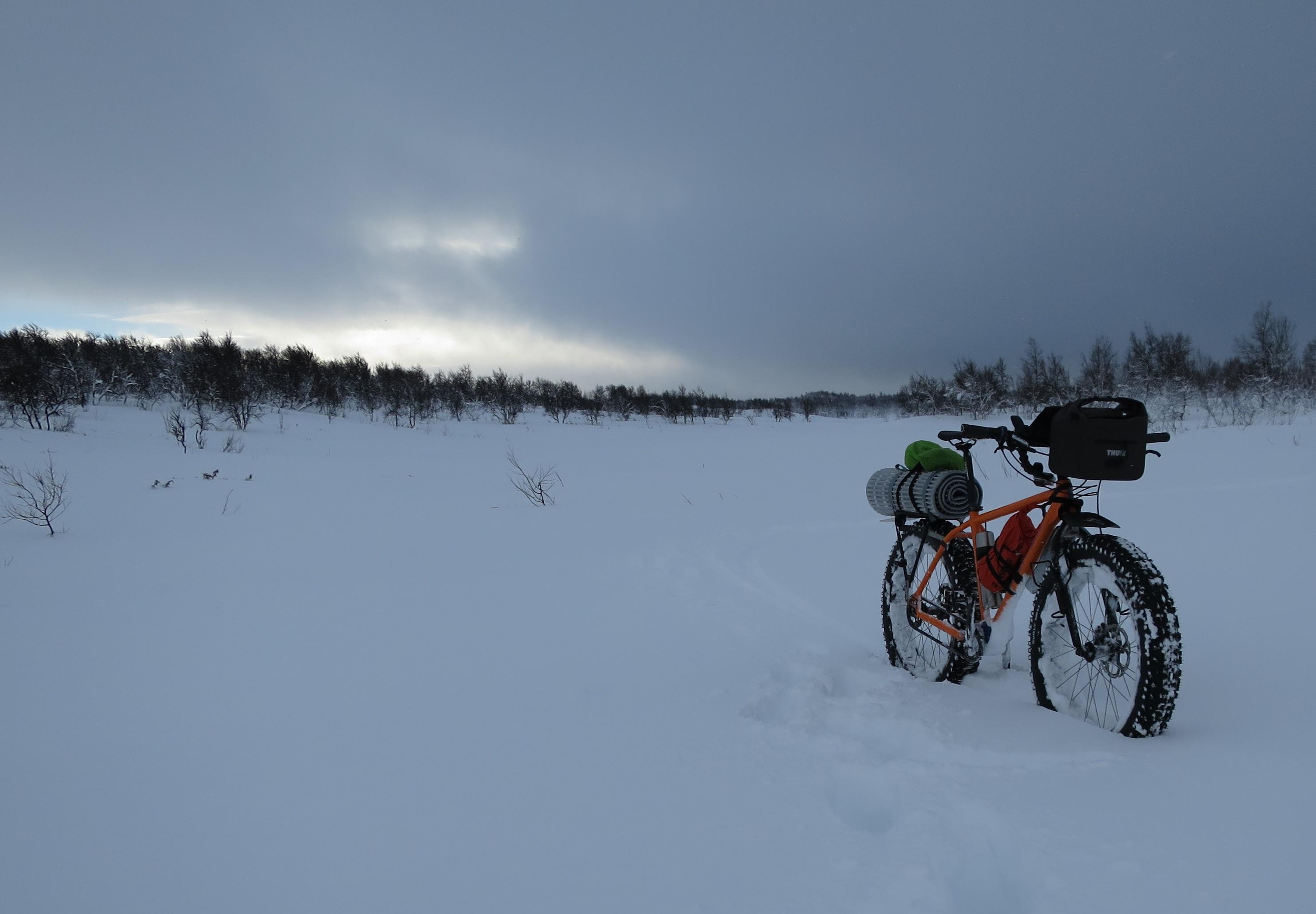 Oskar Juhlin_bike at dawn
