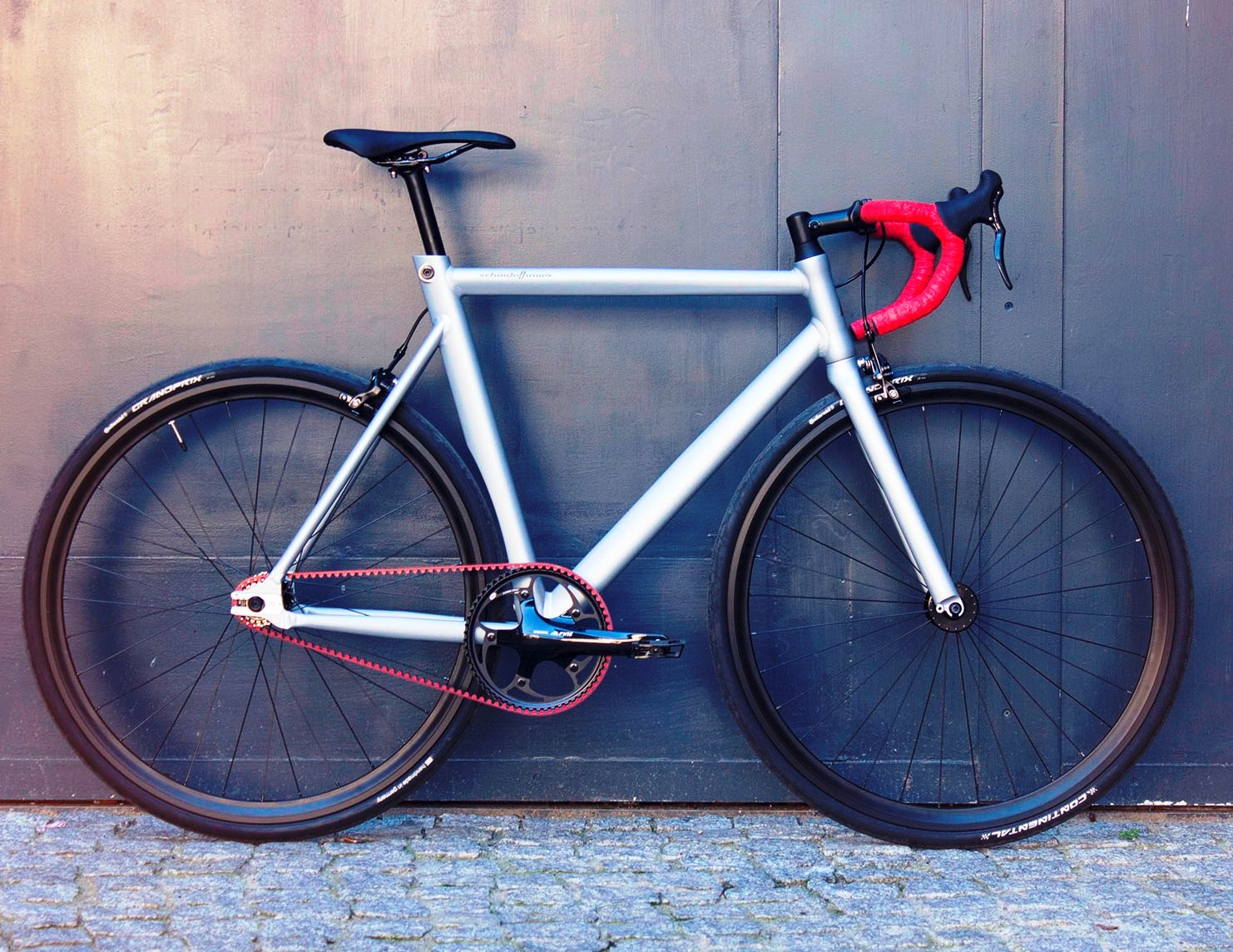 Viktor Red Race profile
