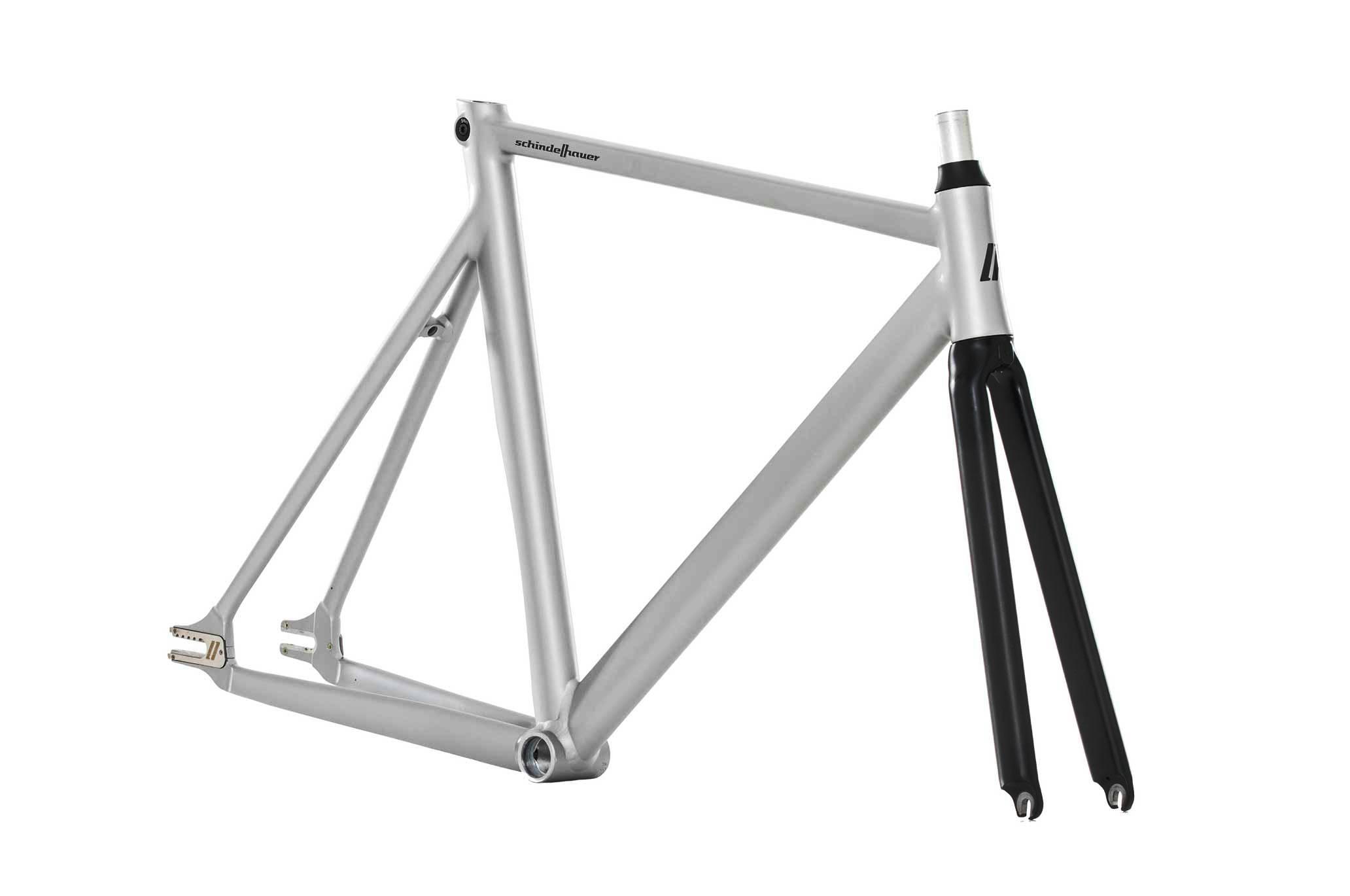 hektor-frame--angle---polarsilber