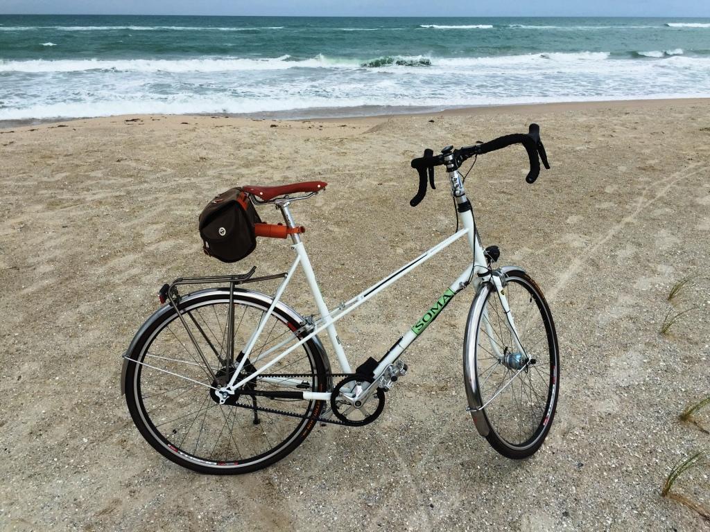 SomaBuena Vista Full Bike-Belt Side_on beach