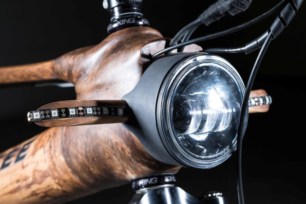 8Calfee-bamboo-eBike-headlight-and-blinkers-comp