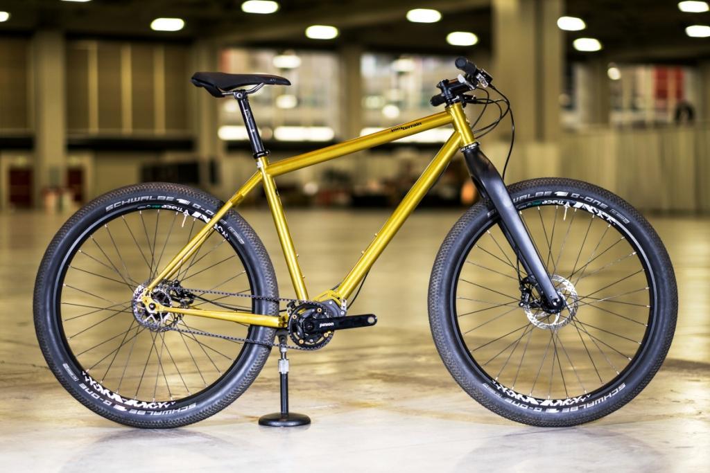Tout Terrain gold city bike-sm