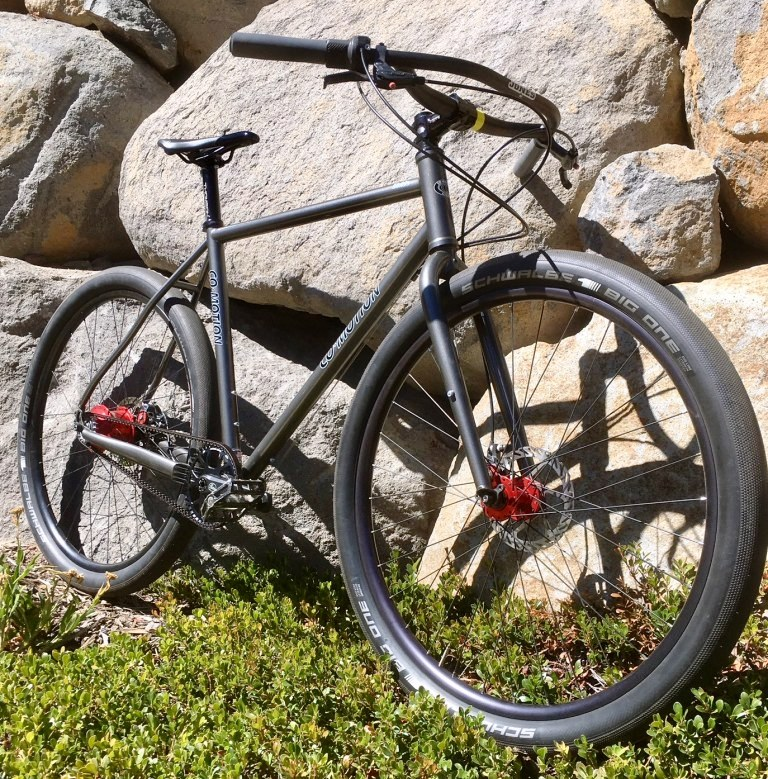 Presented by Co-Motion, the Divide Rohloff is a low-maintenance gravel road or urban machine.