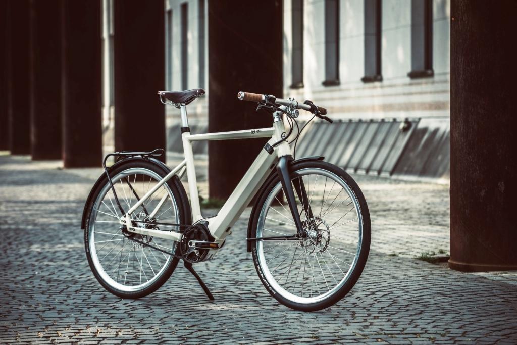 HNF-bike on cobbles-DOERK